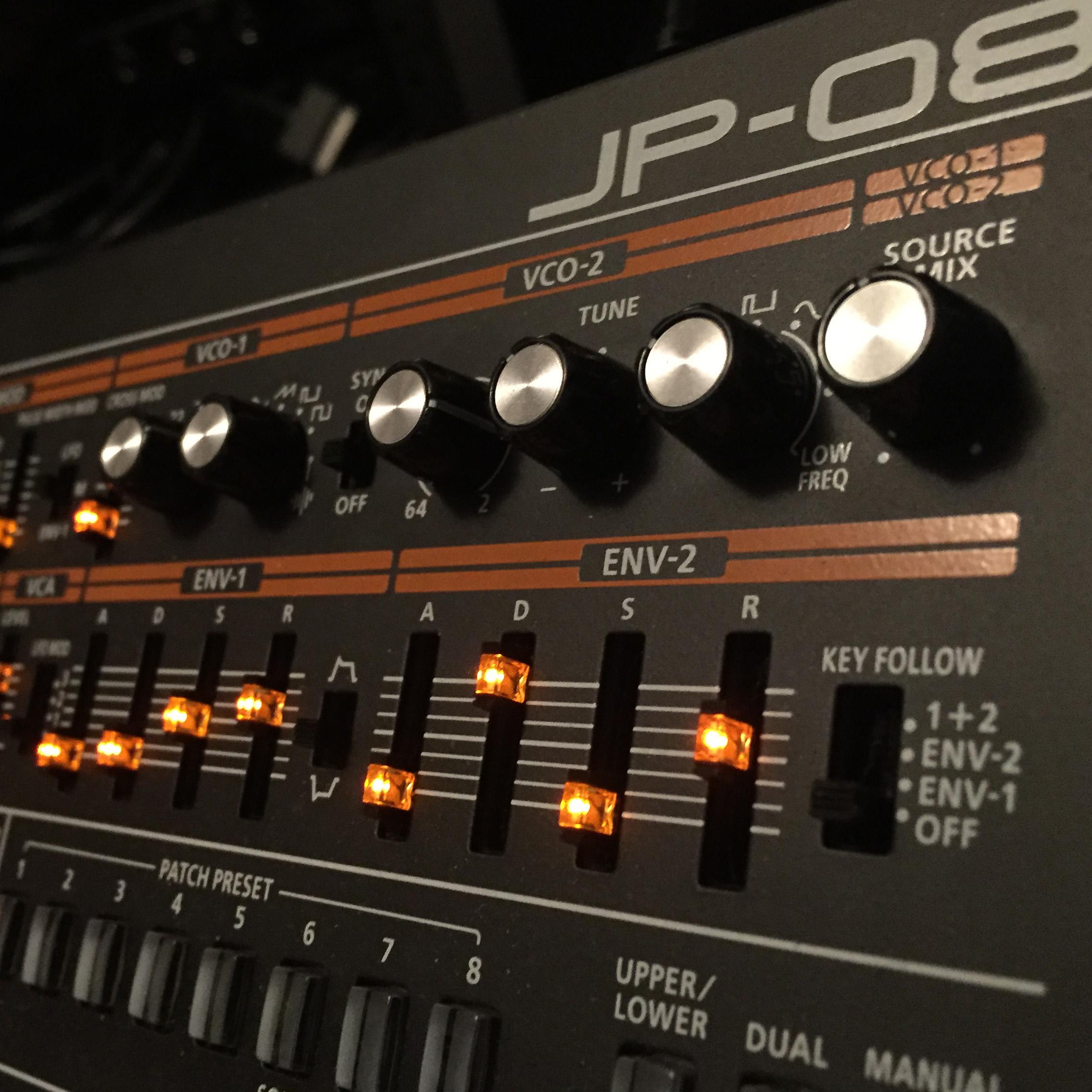 Roland JP08